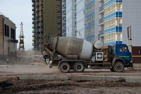 Беглов рассказал дольщиками жилых комплексов «На Заречной» и «Три апельсина» о новом инвесторе