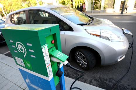 Санкт-Петербург входит в десятку лидеров среди городов России по количеству электромобилей
